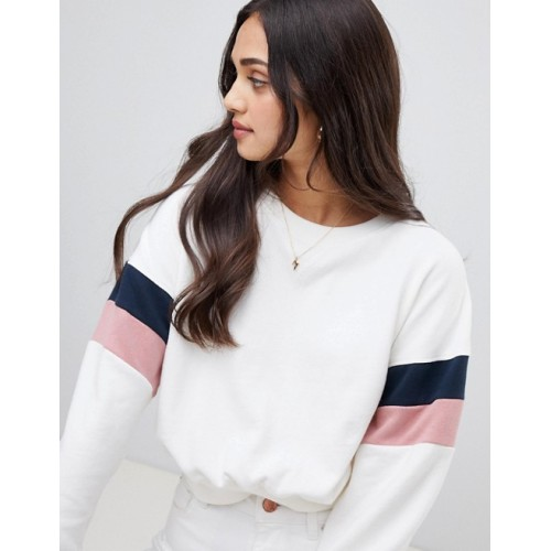 Miss Selfridge sweatshirt with stripe sleeves in white Round neck Striped sleeve detail Relaxed fit 1349880 DKVSZGJ